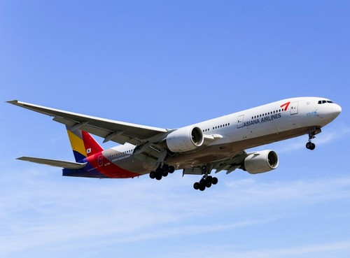 самолет Asiana Airlines